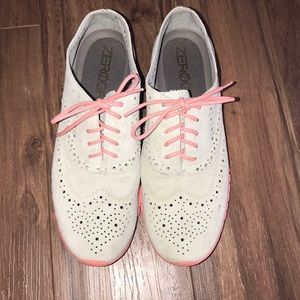 Gently used Zerogrand Cole Haan 9 grey pink oxford